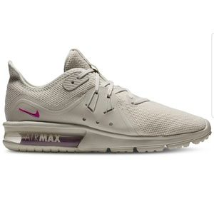 NEW Nike Air Max Women's Running Shoe